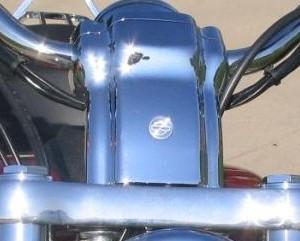 Embellecedor de torres (56017-04) - Tapa embellecedora Harley-Davidson para torres de modelos XL883C y XL1200C de 04 en adelante - 50