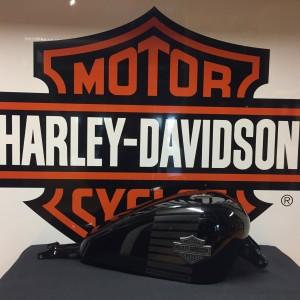 Depósito de gasolina Harley-Davidson Forty-Eight negro brillante