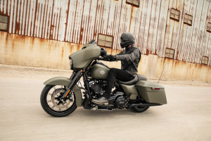 Street Glide Special Riding